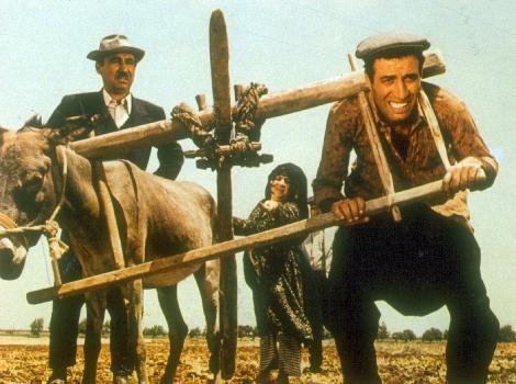 2000 yılında hayatını kaybeden Kemal Sunal ve Şener Şen'in birlikte rol aldığı son film Davaro...