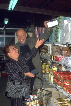 Efsane ikiliden Adile Naşit 1987 yılında hayata gözlerini yumdu, Münir Özkul ise özel bir hastanede tedavi altında...