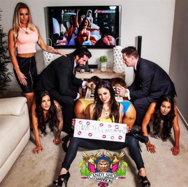 Yetkililer, Beynon'ın Queensland'deki Candyshop adlı malikanesinden sadece saat 7:40 ile 11:00 arasında altı ayrı arama aldıklarını açıkladı. Yetkililerin verdiği bilgiye göre 19 yaşındaki genç kadın malikanenin dışında bulundu.