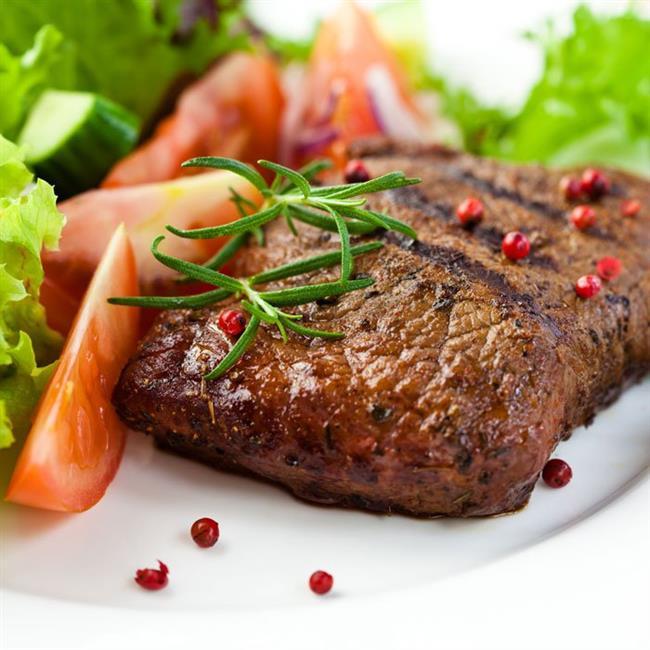Yay burcu, kırmızı etten sakınmalıdır. Bağırsak sistemlerini dengede tutmak için lifli beslenme şekillerini tercih etmeliler.