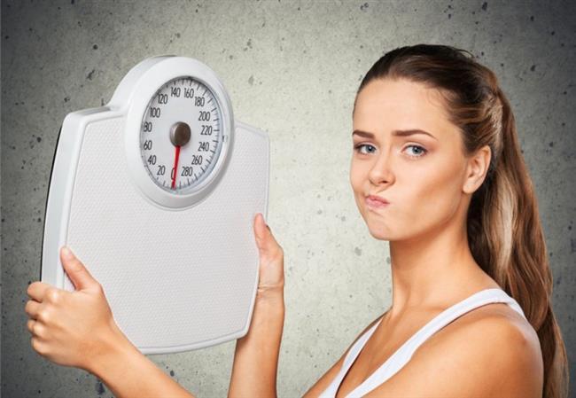 Sabırlı Olun   Merak etmeyin, sarkmış cilt ve derinin bir problem olduğunun farkında olan sadece siz değilsiniz, metabolizmanız da farkında. Vücudunuz düzeltmek için gerekli çalışmalara başladı. Siz de bu süreçte doğru beslenme alışkanlıklarınızı koruyup, egzersiz yaparak onu desteklemeye devam edin.