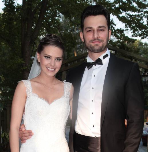 """Çift boşandıklarını açıkladı. Enver ve Sokullu'nun avukatı """"İkisi de böylesinin daha iyi olacağına karar verdiler"""" dedi."""