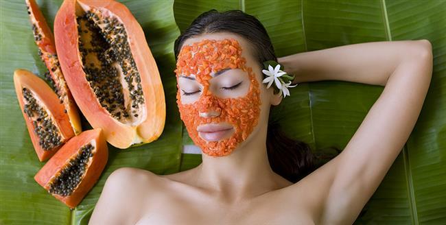 Ham papaya  Taze ayıklanan papatya ezilerek hamur haline getirilir. Elde edilen hamur cilde uygulanır ve ciltte yaklaşık 10 ya da 20 dakika kadar bekletilir. Ardından ılık su ile durulanır.