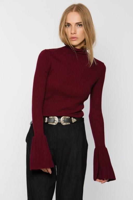 İspanyol kol kesimli kıyafetler bu yıl çok moda. Şıklığın en güzel örneği olan bu kıyafet kombinlerini sizler için derledik...