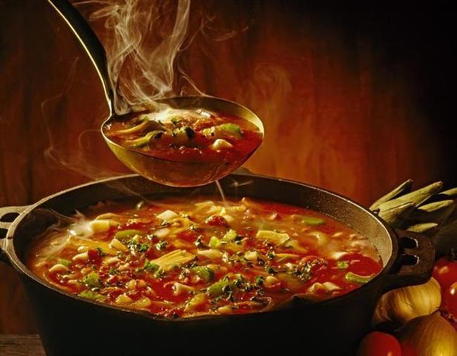 Sıcak Yemekler  Sıcak yemekleri buzdolabında muhafaza etmek hem buzdolabının mekanizmasına zarar verir hem de bakteri oluşumuna sebebiyet verir.