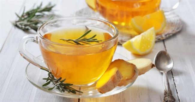 Melisa Çayı  Malzemeler; 1 çay kaşığı melisa Bal  Tarif:  Eğer melisa çayını bitkinin kurutulmuş yapraklarından hazırlayacaksanız 1 büyük fincan çay için 1 çay kaşığı melisa yeterlidir. Suyu kaynattıktan sonra melisanın üzerine dökün ve 8-10 dakika demlenmesini bekleyin. Demleme süresini uzatırsanız çayın tadı biraz acı olabilir.  Süzdükten sonra sade veya balla tatlandırarak içebilirsiniz. Taze melisa yaprakları kullanacaksanız 1 büyük fincan için 1,5 çay kaşığı taze yaprak yeterli olacaktır