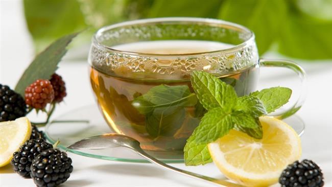 Rezene Çayı  Malzemeler; 1 fincan su 1-2 çay kaşığı rezene Ekstra tat için taze portakal kabuğu koyabilirsiniz   Tarifi:  1 fincan suyumuzu dökün.Kaynayınca fincana koyun .İçine 1-2 çay kaşığı rezene tanesi ekleyin.