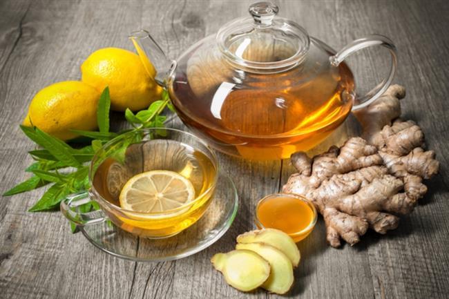 Zencefil Çayı   Malzemeler; 1 kök zencefil 1 adet portakallı 1 tatlı kaşığı bal Limon  Tarif:  Kök zencefili dilerseniz rendeleyip, dilerseniz de halka halka doğrayarak kaynayan suya ilave edin. 10 dakika kadar birlikte kaynattıktan sonra ocaktan alın. Portakalı sıkın ve bu karışıma ilave edin. Dilerseniz limon veya balla da lezzetlendirebilirsiniz.