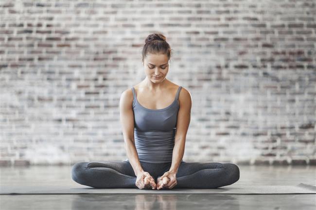 Yoga yapın  Amerikan Diyetik Derneği'nin araştırmasına göre yoga yapanlar öz farkındalık ve düzenli beslenme konusuna daha fazla dikkat etmek eğiliminde olduğu için aynı zamanda gereksiz kalori almaktan da uzak durabilirler.