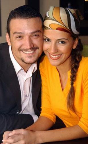 Gıpta ile bakılan ünlü çift İzmir 6. Aile Mahkemesi'nde görülen boşanma davası ile yollarını ayırdı.