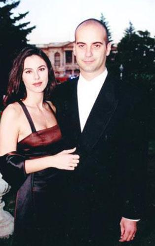 """""""14 yıllık evliliğimi peri masalı sanmıştım"""" diyen Defne Samyeli ile Eren Talu boşanmak üzere.."""