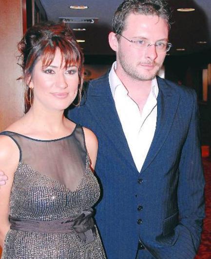 Kiremitçi , hamileyken terk ettiği eşi Yasemin Hanım'a geri döndü. Daha sonra ondan ayrılıp şarkıcı Demet Sağıroğlu ile aşk yaşadı. Kiremitçi ile Sağıroğlu'nun aşkı da kısa sürdü.