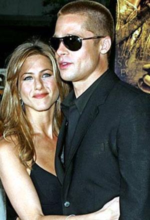 Pitt ve Aniston'ın aylarca konuşulan hiç bitmeyecekmiş gibi görünen evliliği 5 yılda bitti. Ancak Pitt'in uğruna evliliğini bitirdiği Angelina Jolie ile olan beraberliği de kısa bir süre önce bitti. Çift şimdi hararetli bir velayet savaşının içinde.