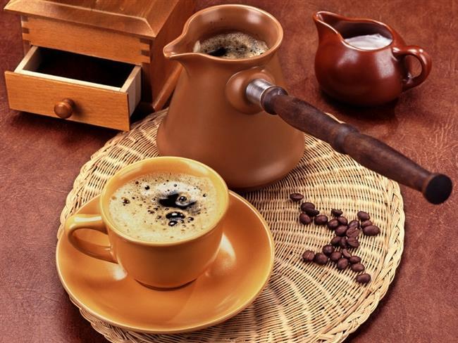 Kahveyi suyla birlikte tükettiğimizde böbreklerimizdeki oksalat vücuttan dışarı atılabiliyor.