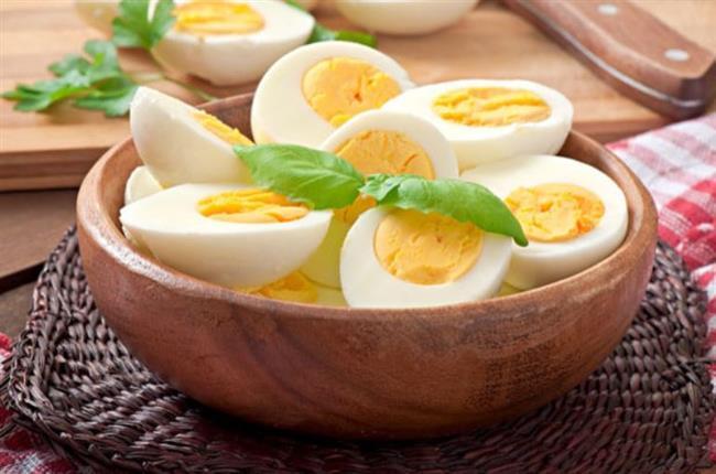 YUMURTA:  Evet yanlış görmediniz. O çok masum sandığımız yumurta aslında bağımlılık yapan yiyeceklerarasındaymış. Şimdi anlaşıldı neden her sabah kahvaltı sofrasında gözümüzün yumurta aramasının sebebi.