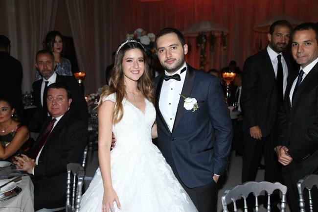 Swiss Otel'de yapılan düğüne, TV, spor ve sanat camiasının çok sayıda ünlüsü katıldı. Ilıcalı'nın düğünü günlerce konuşuldu.