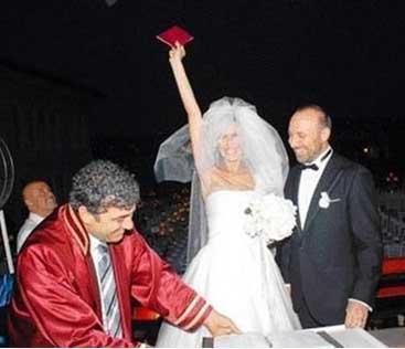 Çiftin nikahınının en unutulmaz anlarından biri.