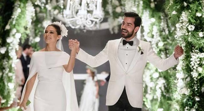 Önce Neve Şalom Sinagogu'nda nikah kıyıldı ardından da Four Seasons Bosphorus Hotel'de düğün yapıldı