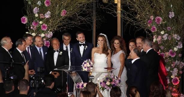 Beşiktaş Teknik Direkörü Şenol Güneş de evlat mürüvvetini görenlerden. Güneş kızı Günce'yi geçen yaz evlendirdi. Günçe Güneş ile Giray Tiryaki'nin düğününe spor dünyasından çok sayıda davetli katıldı.