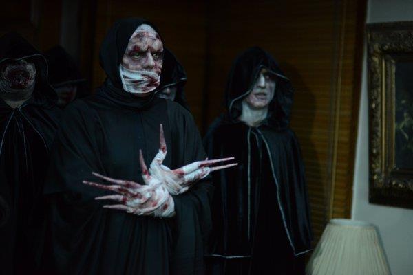 Yönetmenliğini ve senarsitliğini Hasan Karacadağ'ın üstlendiği korku filminin kadrosunda Kenan Ece'nin yanı sıra yabancı oyuncular Michael Madsen ve Stephen Baldwin yer alıyor.