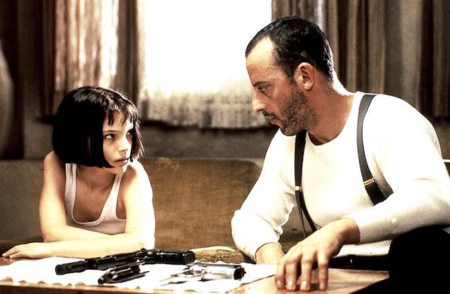 Leon: Sevginin Gücü (The Professional)  Léon, ABD'nin New York şehrinde ikamet eden, patronu Tony'den aldığı işleri yapan bir tetikçidir. Hayatını kurallardan oluşturmuş, sert ve tam anlamıyla bir profesyoneldir. Ancak Mathilda adında küçük bir kızla yolları kesişince hiç alışık olmadığı bir dünyaya kapısını aralar.