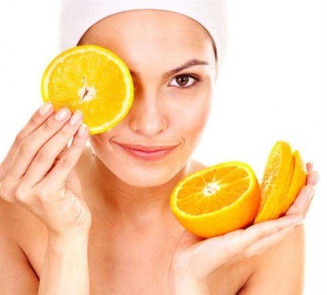 Portakal Maskesi  Malzemeler: 1 tatlı kaşığı karbonat 1 portakal  Hazırlanışı ve Uygulanışı  Bir adet portakalın kabuklarını rendeleyerek rendelenmiş kabukları iyice ezin. Portakalın suyundan 1 tatlı kaşığı kadar rendeye ekleyip 1 tatlı kaşığı karbonat ilave ettikten sonra karıştırın ve sivilce görülen cildinize iyice yedirerek sürün. 20 dakika sonra cildinizi temizleyebilirsiniz.