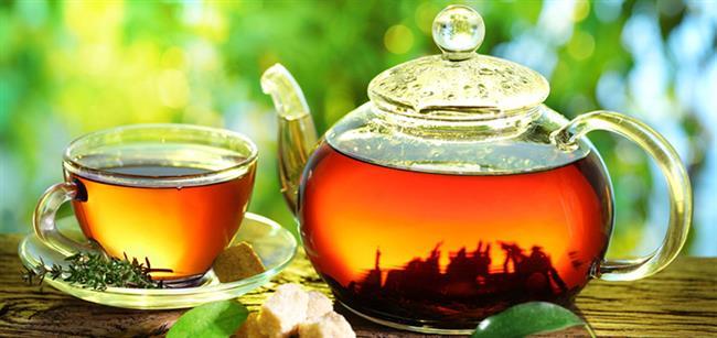 Bitki Çayları:  Siyah çay ve kahve kültürel alışkanlıklarımızdan biridir. Ancak bu çaylarda aşırıya kaçıldığında kansızlığa, kafein nedeni ile de uykusuzluğa sebep olabilir. Ihlamur, rezene, papatya, yeşil çay ve diğer bitki çaylarından tüketebilirsiniz. Yeşil çay doygunluk hissi veren hormonların artmasını sağlar. Böylece öğün aralarında içeceğiniz yeşil çay 2-4 saat tokluğunuzun sürmesini sağlar. Sağlık veren evde hazırlayacağınız çaylardan ise özellikle ayvalı ve elmalı çayları tercih edebilirsiniz.