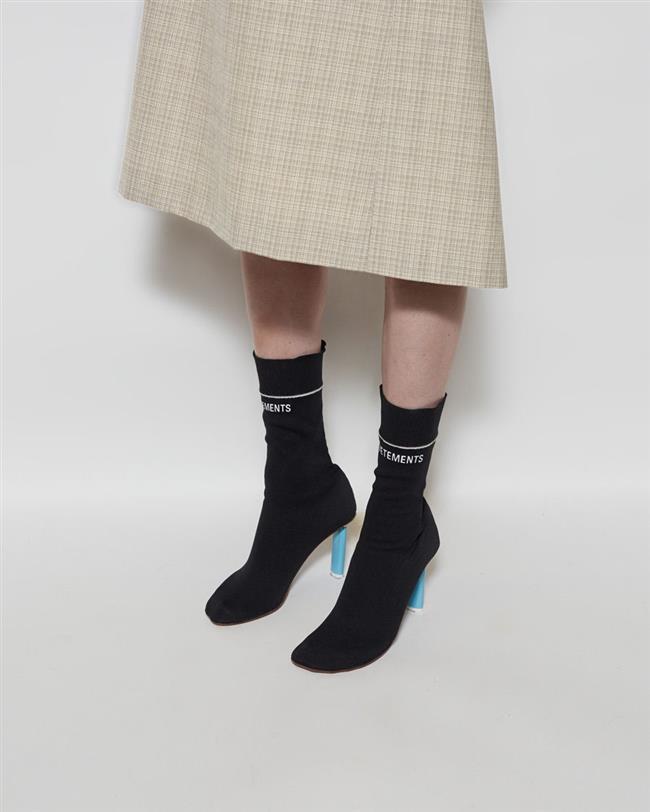 Henüz adapte olmaya başladık çorap botlara.
