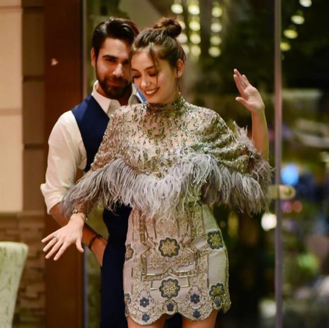 Kadir Doğulu ise gerçek hayatta son zamanlarının aranan oyuncusu Neslihan Atagül ile evli.