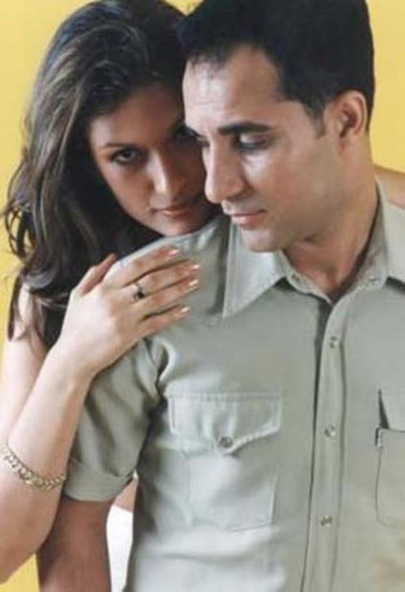 Ardından bir kız çocukları daha oldu. Artık onlar iki çocuklu mutlu bir aileydiler. Ama sonra Rafet El Roman ve Tuğba Altıntop'un evliliği çalkantılı bir döneme girdi. Çift boşanmaya karar verdi. Bu noktada çocuklarının velayeti konusunda büyük tartışmalar yaşandı.