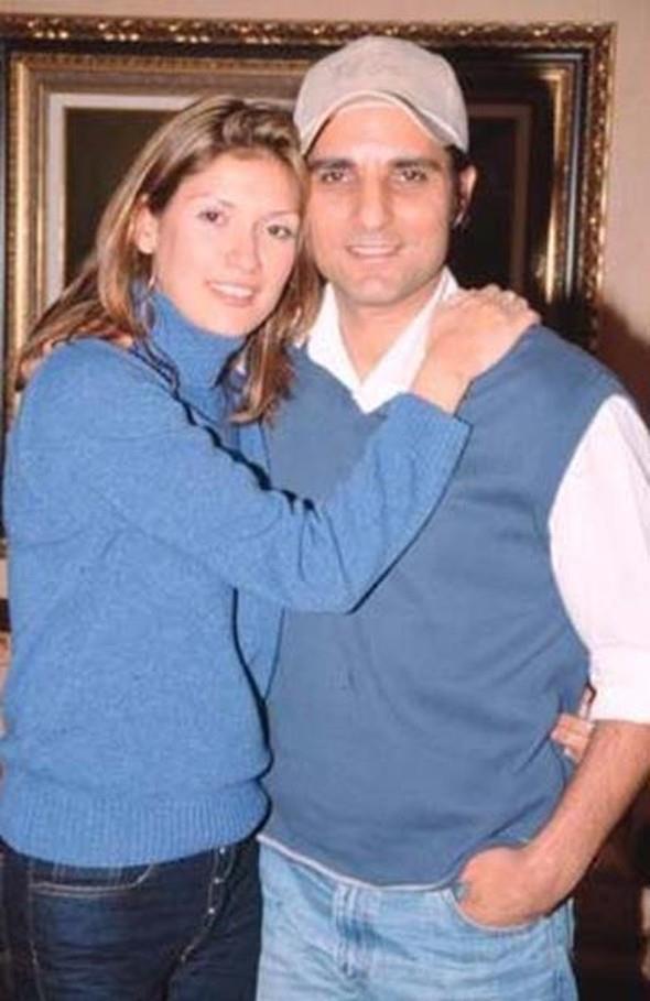 """Tuğba Altıntop evli oldukları sırada Rafet El Roman ile Propoganda adlı filmde başrolü paylaştığı Meltem Cumbul arasında bir ilişki olduğunu iddia etmişti.   Altıntop işi """"Meltem boşuna inkar etmesin. Kocamla birlikte oldu demeye kadar götürmüştü. Bu söylentilere de Cumbul ile El Roman'ın filmdeki ateşli sahnelerinin neden olduğu söylenmişti."""