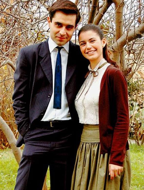 Beren Saat, sonrasında rol aldığı Hatırla Sevgili adlı dizi ile bu camiada kalıcı olduğunu ispatladı.