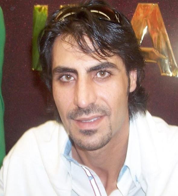 Kenan Çoban   Polat Alemdar rolüyle büyük ses getiren Necati Şaşmaz'ın kuzeni olan Kenan Çoban lise mezunu.