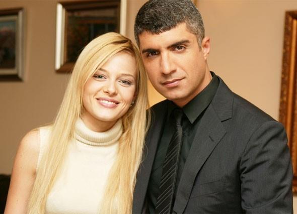 Ama asıl ününü aralarında Haziran Gecesi dizisiyle kazandı. Elmas, en son olarak 'İstanbul Sokakları' dizisinde rol aldı.