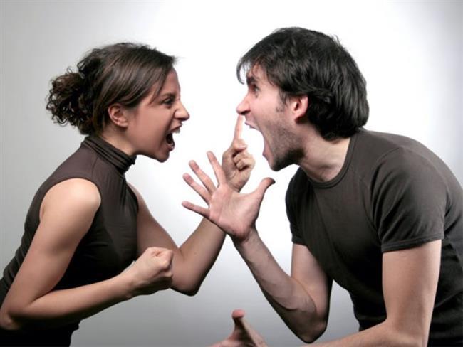 Akrep Burcu:  Kaç terk et orayı! Sinirlendiğinde onunla başa çıkılmaz, durdurulamaz ve susturulamaz. Kontrolünü kaybettiğinde fırtına gibi eser, önüne geleni peşine sürükler. Kırar, döker, Hatta siniri geçse bile, olayı unutmaz. Ertesi günü tekrar hatırlar ve aynı şiddetle öfkesini kusar. Sizi en çok, aldatılmak, kandırılmak, fikirlerinize karşı gelinmesi ve kuşku öfkelnendirir.