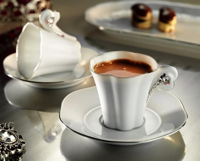 Türk kahvesi, kafein açısından oldukça zengin bir gıda olup metabolizma hızlandırma konusunda da oldukça etkilidir...