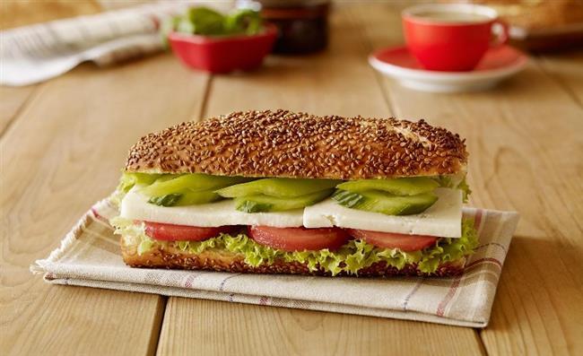 Pazar   Sabah   1 fincan şekersiz Türk kahvesi  2 dilim tam buğday ekmeği ile yapılmış peynirli sandviç  Öğle   Sınırsız sebze yemeği ve yağsız ayran  Akşam   Izgara tavuk