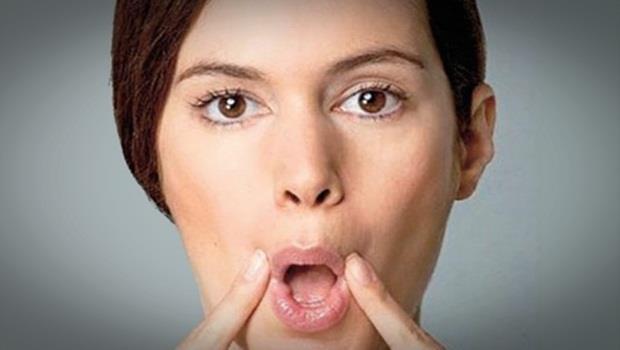 O' şeklinde dudaklarınızı büzün ve ağzınızdan dışarıya hava üfleyin.   Göbek Deliğinize Sıkarsanız...