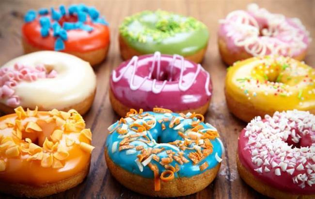 Fazla şeker tüketimi yüzde şişmelere sebep olur. Meyvelerden sağlanan şeker enerjinizi yükseltecek ve cildinize canlılık katacaktır.