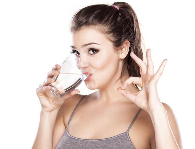 Karbonatlı su ile zayıflama!   Karbonatlı su faydaları açısından pek çok alanda ve sağlık alanında çok sık şekilde kullanılmaktadır faydaları az ve diş sağlığından tutun zayıflama gibi pek çok farklı alanda şifa olarak kullanılmaktadır.