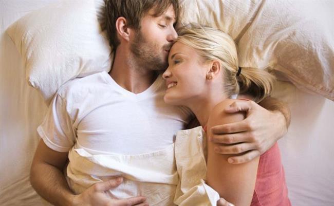 """Evlilik Terapistine Başvurun   Evlilik terapisi sadece çatışmalı çiftler için var olan bir yöntem değil aynı zamanda hem ilişkisel hem de cinsel uyumsuzlukların çözümünde ya da zenginleşmesinde önemli bir katkı yapabilir. Bu nedenle alanında uzman bir evlilik terapistinden destek almaktan da asla çekinmeyin."""""""