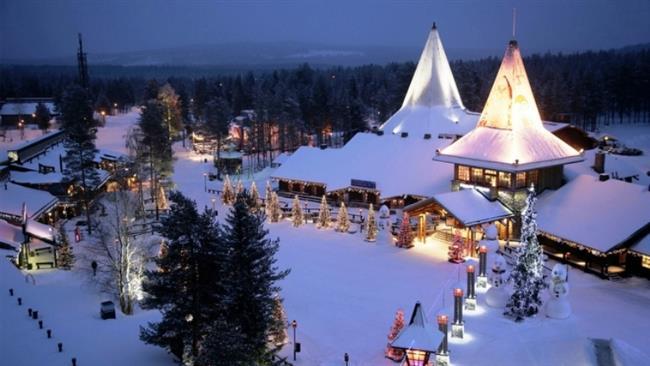 Santa Park, Lapland, Finlandiya    Avrupa'nın noel başkenti olarak bilinen bu köyde yılbaşında gerçek ren geyiği bulunuyor ve dünyanın dört bir yanından ziyaretçi akınına uğruyor desek size de bu yılbaşı için çekici bir yer olarak gelmez mi?