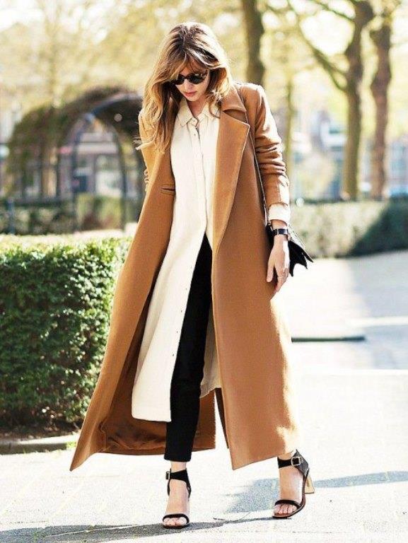Açık renk ağırlıklı mükemmel renk uyumu ile  bayanlar için tasarlanmış  bir bayan kombini.    2017 Trend Renklerine Göre Palto Kombinleri!