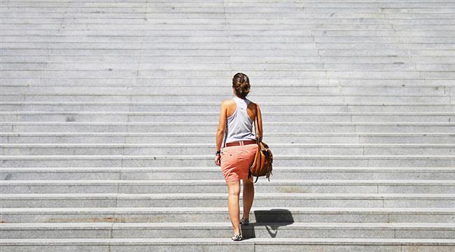 Sağlık reçeteniz için hareket en önemli ilaçtır. Tv ve bilgisayar başında yarım saatten fazla sabit durmayın. Asansöre binmeyin, merdiven çıkın. Arabaya, otobüse binmek yerine yürümeyi tercih edin.