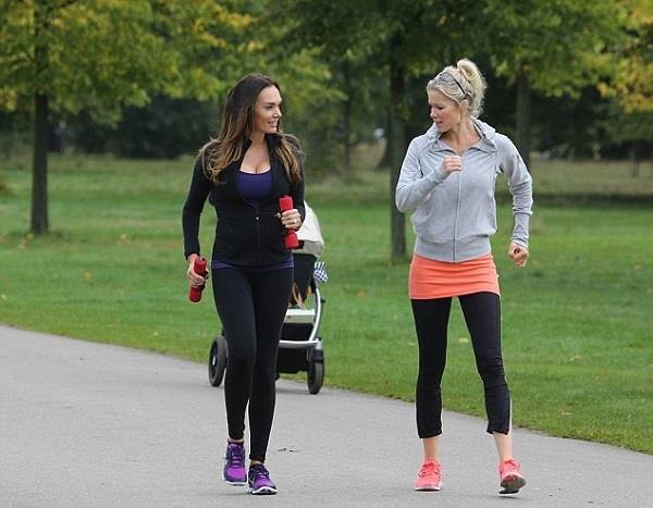 Haftada en az 3 gün 30-45 dakika hafif tempolu yürüyüş ve egzersiz yapın.