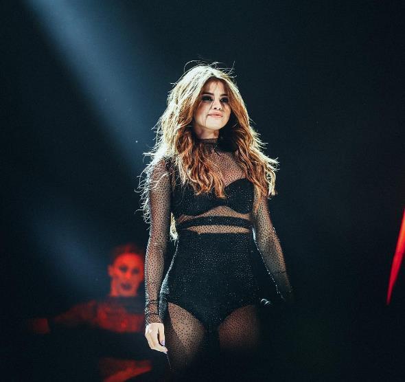 Selena Gomez  3,2 milyon beğenme