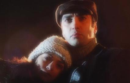 Polat Alemdar'ın sevgilisi Elif'i oynayan Özgü Namal diziye ölerek veda etti.