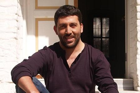 İLK BÖLÜMDE AYRILDI  Bir dönem TRT'de yayınlanan Evvel Zaman Hikayesi dizisinin baş erkek karakterini Emre Kınay canlandırıyordu. Ama daha ilk bölümde kadroyla yollarını ayırdı.