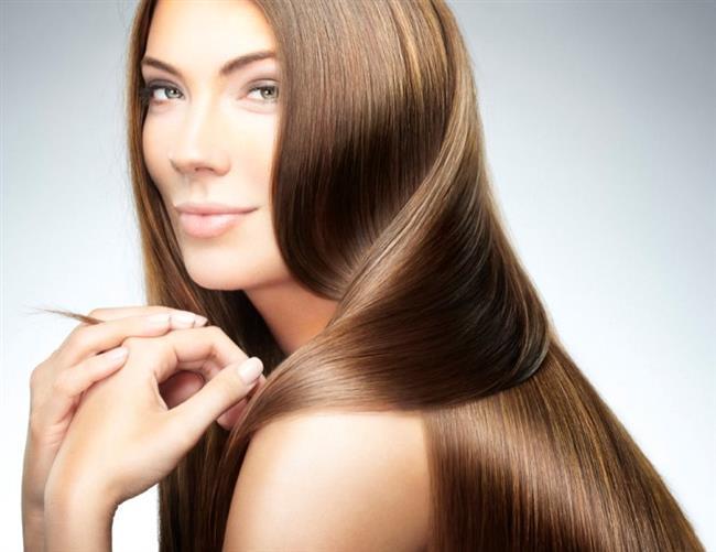Saçlar kişinin ruhsal ve bedensel sağlığını etkileyebilen ve sosyal çevre ile ilişkilerinde rolü olan vücut parçaları olduğundan bakımı ve temiz tutulması şarttır. Saçların temizleme sıklığı kişisel duruma, çevre şartlarına, saç tipine göre değişir.   Evde yapabileceğiniz saçlarınızı koruyacak, canlılık ve parlaklık verecek pratik öneriler...