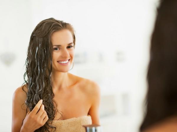 Kuru Saçlar İçin Bakım ve Önlemler  Saçlarınızı az şampuanla yıkayın. Saç kremi kullanın. Kurutma makinesini mümkün olduğunca az kullanın Nemlendirme özelliği fazla olduğundan kuru saç şampuanlarını tercih edin. Saç kremini şampuandan sonra kullanın. Kremler saçların parlak hale gelmesini ve yumuşak olmasını sağlar.
